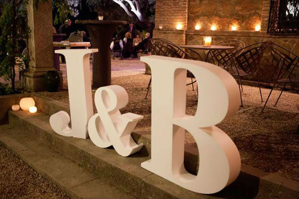 Letras para bodas embalogic for Letras de corcho decoradas
